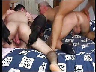 Fue empujado ver videos porno casero en el culo y la cara.