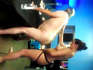 Reunión de mitad de período (2008)) videos porno casero real